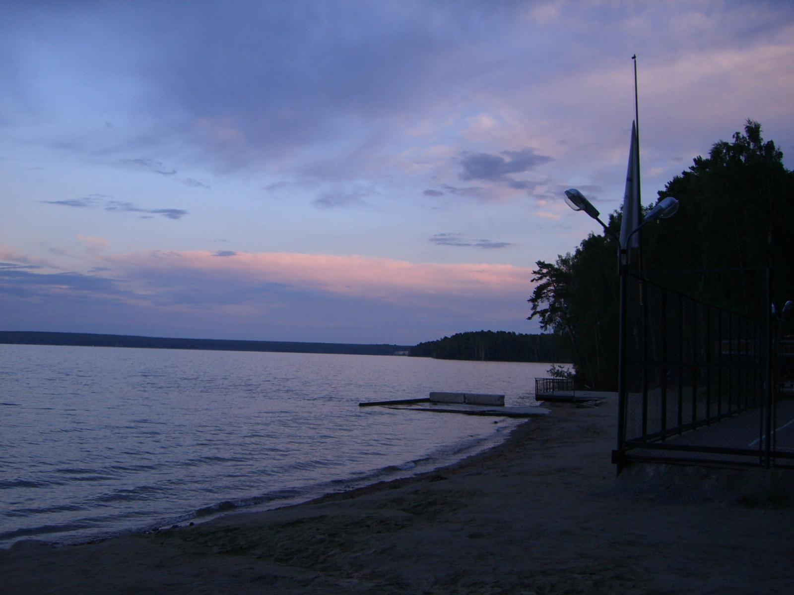 Вид с пляжа на закате